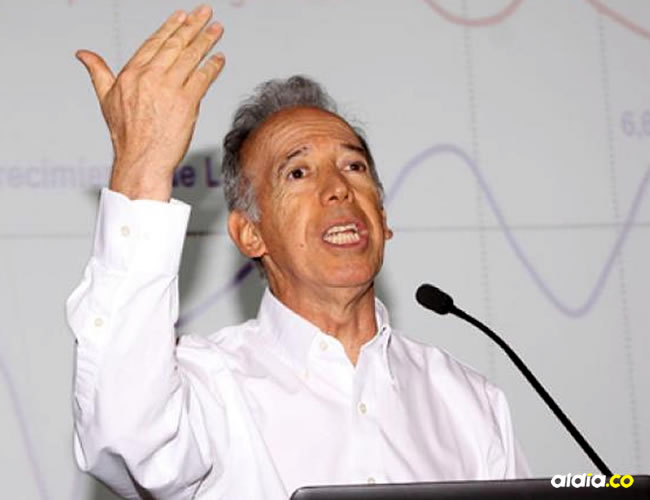 Clavijo advirtió que Colpensiones entrega unos subsidios a sus afiliados bastante altos | Archivo