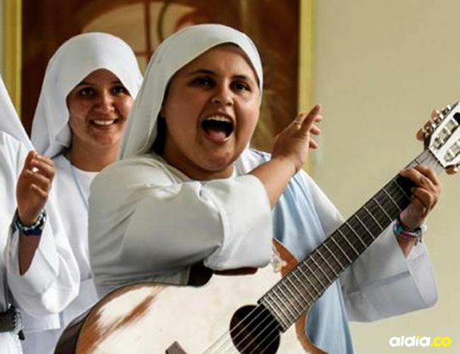 En la congregación tienen una productora de televisión y un grupo musical | AFP