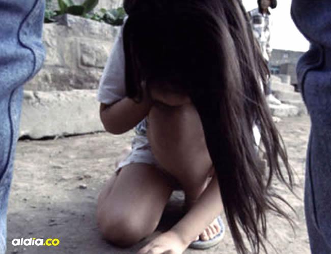 Ella quedó tendida en el pavimento mientras que su agresor se dio a la huida | ALDÍA