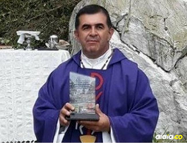El párroco fue llevado al Hospital El Tunal, en donde le realizaron exámenes y no presenta complicaciones | Cortesía