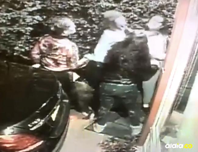 Su vecina interpuso una queja ante la Policía de Cajicá por presunto maltrato intrafamiliar en la vivienda de las jóvenes | Captura