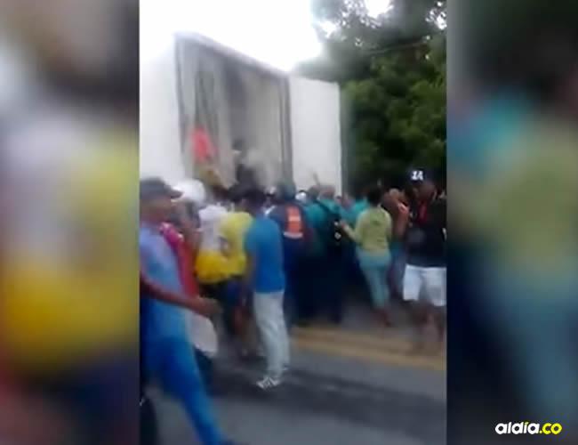 Impactó por la parte trasera a la 'mula' cargada con carbón que se dirigía hacia el puerto de Santa Marta | Captura