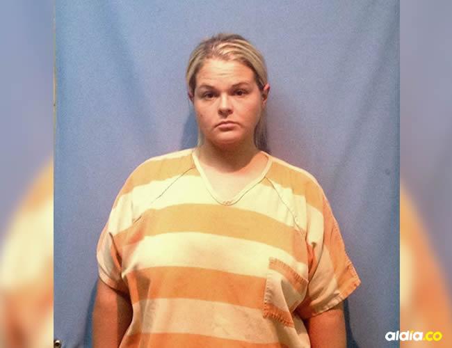 Las autoridades también recibieron una llamada anónima en la que acusaron a la profesora de hacerle sexo oral a un menor de edad   Cortesía