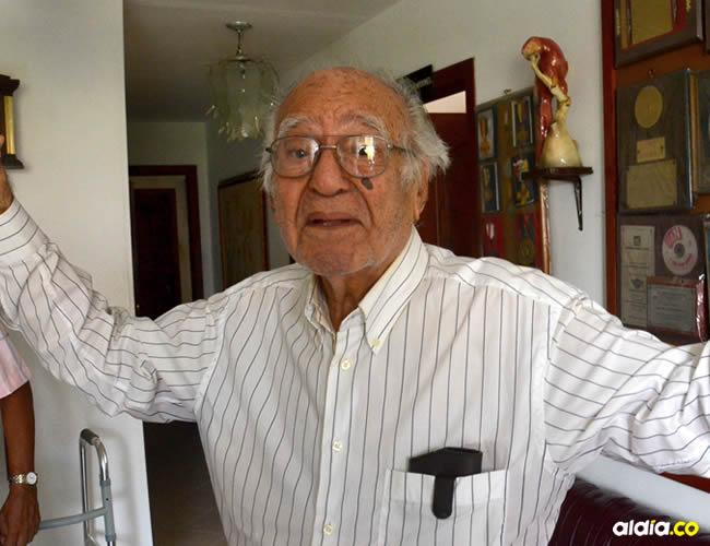 El maestro Campo Miranda vive solo en el quinto piso de un edificio del norte de Barranquilla | ALDÍA