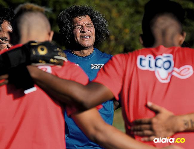 Con una oración, el nuevo técnico del Junior quiere empezar a unir al grupo | Orlando Amador