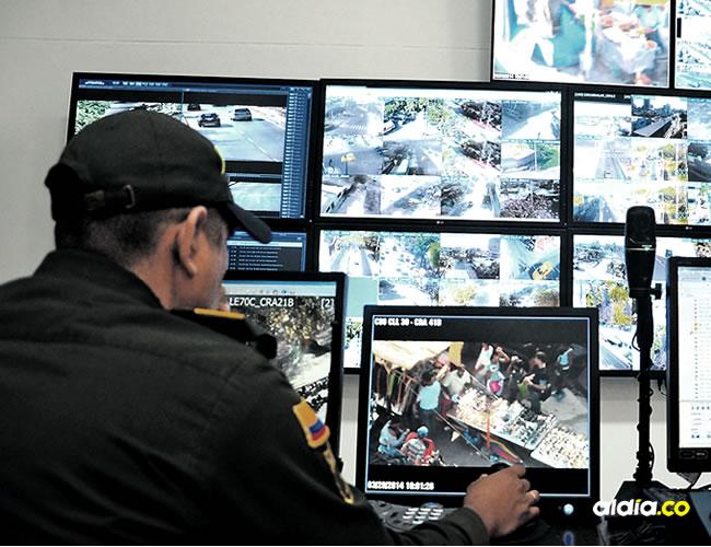 Desde el Centro Automático de Despacho (CAD) de la Policía Metropolitana se monitorean las cámaras | Cortesía