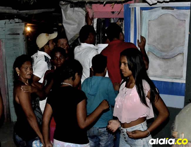 Vecinos del barrio Pumarejo llegaron al lugar de los hechos una vez terminado tiroteo | ALDÍA