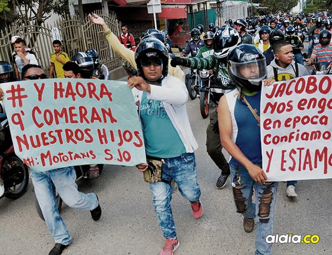 Los mototaxistas salieron a marchar desde el barrio Versalles de Sincelejo | José Luis Cruz Lora