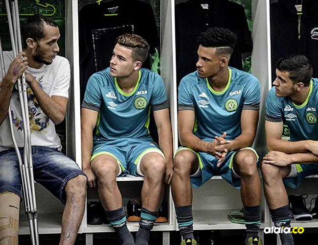 Hélio Zampier Neto habla con los que serán los nuevos jugadores del Chapecoense | Chapecoense