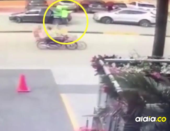 Dos hombres vestidos de policías encañonaron un hombre e intentaron plagiarlo | Captura de pantalla