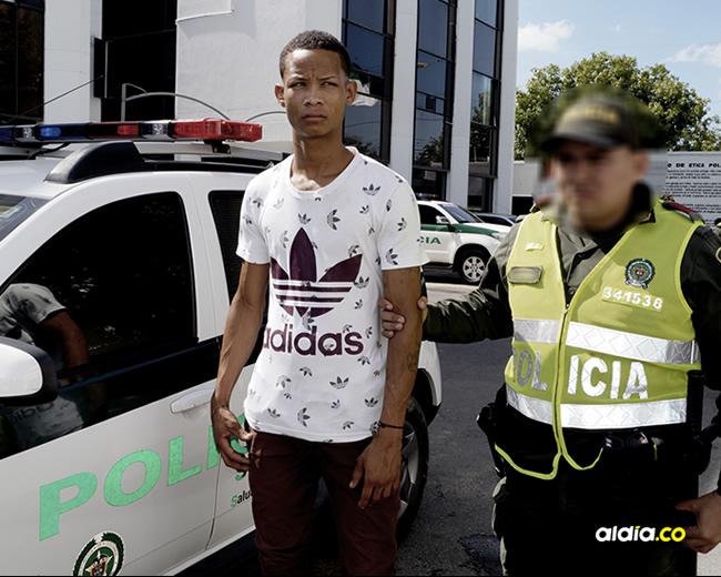 Las autoridades capturaron a Brayan en el barrio Dividivi, de Riohacha. El operativo fue desplegado ayer en la mañana   Al Día