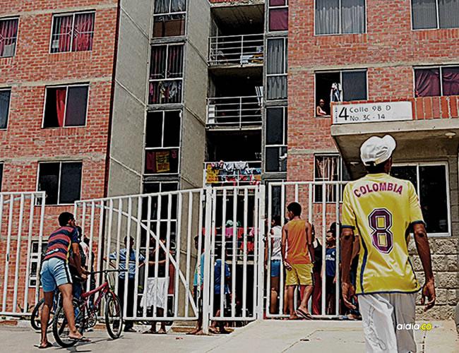 En la entrada del conjunto 4 de Las Gardenias, situado en la calle 98C con carrera 3C, asesinaron a Elvis Mercado. | AL DIA