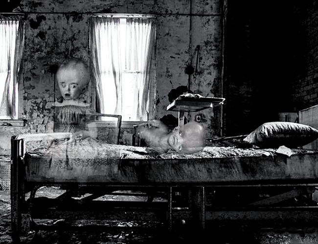 Las gemelas fueron abandonadas por su madre en los años 70 y aparecen desde los 90.Las gemelas fueron abandonadas por su madre en los años 70 y arecen desde los 90. | Ilustración: Demis Pinedo