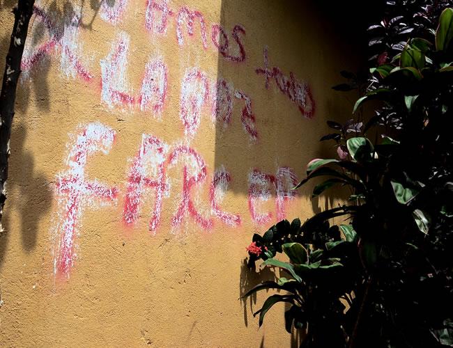Este fue uno de los grafitis que apareció en la población de Media Luna | Foto:  Nestor De Ávila