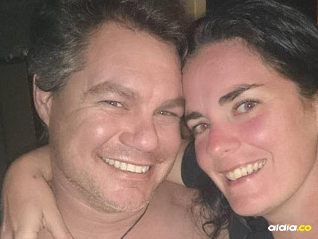Kimberleigh Baker junto a su infiel esposo. | Tomada de: Daily Mail.