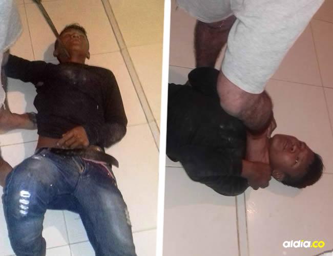 Esta persona invadió una vivienda en el barrio Fonseca Siosi, en Uribia, y se metió debajo de la cama de donde lo sacaron los dueños de la casa | Al Día