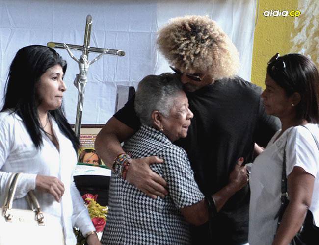 Carlos Valderrama en compañía de sus familiares | José Puente Sobrino