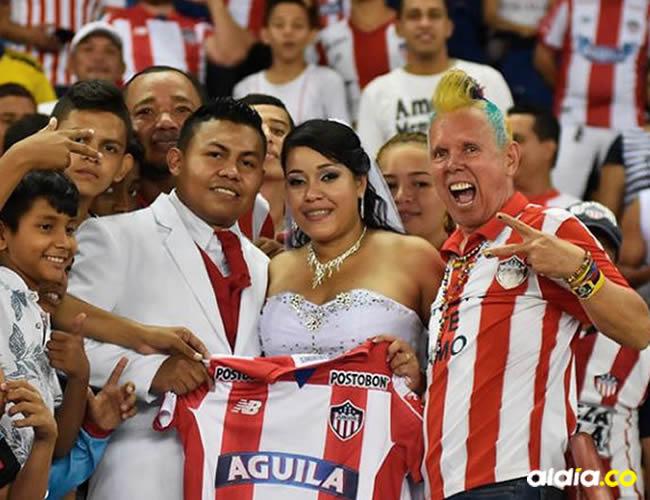 Kevin Torres y Julieth Jiménez en la tribuna Oriental | El Heraldo
