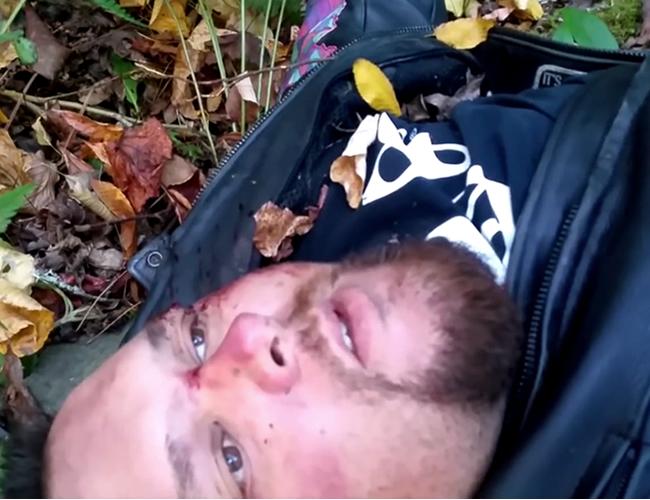 En video quedó registrada la despedida de Kevin Diepenbrock en el que se le nota falto de aire y herido luego de un accidente. | Captura
