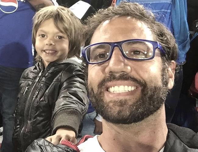 Emiliano junto a su papá Lucas Jaramillo en el Estadio Nemesio Camacho 'El Campín' | Foto: Lucas Jaramillo