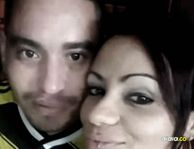 John Mario Álvarez y Yesica Lopera, en una foto publicada por ella en su perfil de Facebook |  Archivo