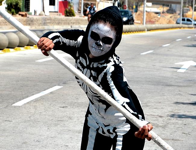Hace tres años Marisol Meriño representa la muerte en el Garabato del Barrio Abajo |Foto: Luis Felipe de la Hoz