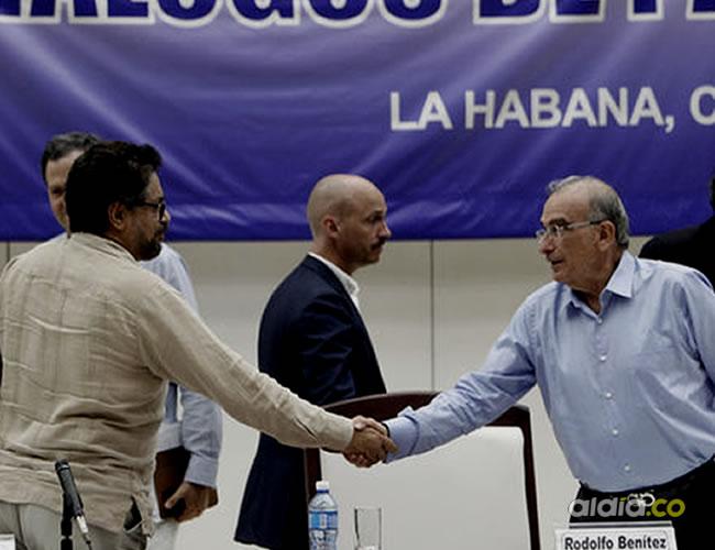 Humberto de La Calle e Iván Márquez hicieron el anuncio de los cambios de este nuevo acuerdo | Archivo
