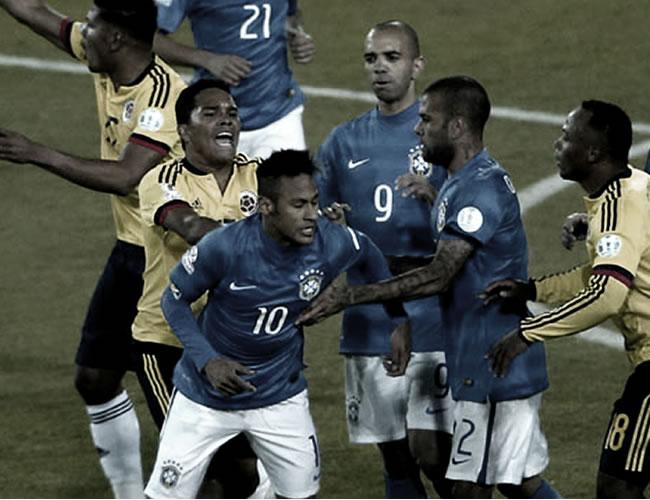 En la Copa América de Chile 2015 al final del partido Carlos Bacca empujó a Neymar por tirarle un balonazo a Armero | Archivo