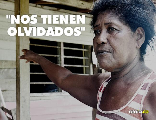 Beatriz Pineda Ortiz muestra su residencia y la necesidad urgente que tiene de una ayuda por parte de la administración tras el coletazo del huracán 'Matthew'. | Lorena Henríquez/ALDÍA