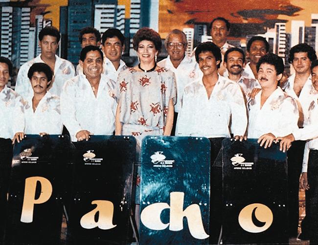 Imagen de archivo de la Orquesta Pacho Galán en la que figura el fallecido cantante, mánager y director, Alí Pérez. | Foto: Archivo