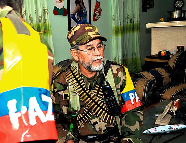 Desde 1998, Wilmar Rodríguez se disfraza de Raúl Reyes, excomandante de las Farc.