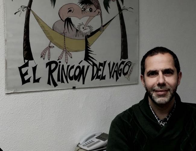 Ángel Luis Benito en las oficinas del Rincón del Vago | Foto: Verne