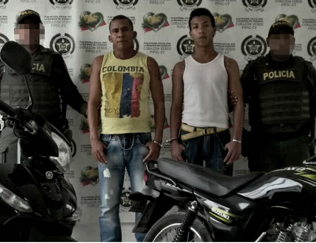 Savier Enrique Jaramillo Pereira y Emanuel José Meza Avendaño, capturados tras robar una motocicleta | Foto: Al Día