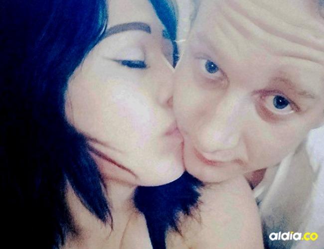 Anastasia Onegina, de 21 años y su novio Dmitry Sinkevich, de 24 años. Tomado de: Daily Mail.