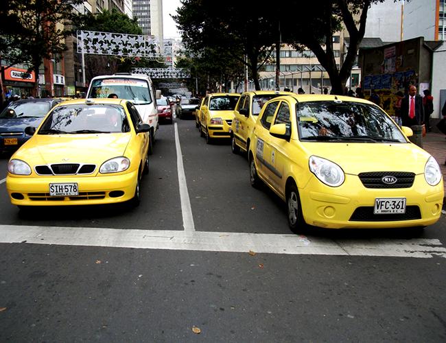 Las organizaciones del gremio de transporte público, pagarán una suma de acuerdo a la cantidad de vehículos que dispongan. | Foto: metroenbogota.com