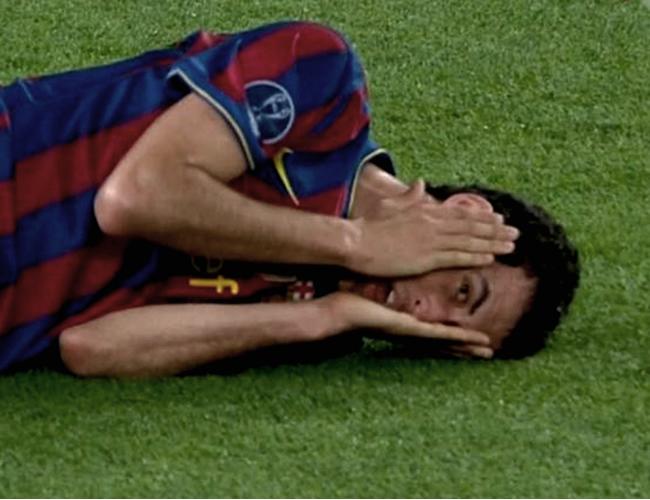 El juez Pontón pitó una supuesta falta a Luis Carlos Ruiz, que el mismo jugador convirtió en gol. | ALDIA.CO