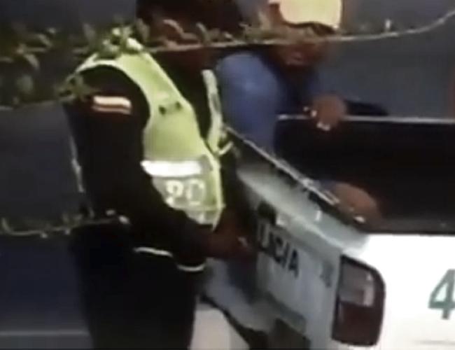 Las penas por intentar dar o dar un soborno a un Policía de Tránsito van de 4 a 9 años. | Facebook