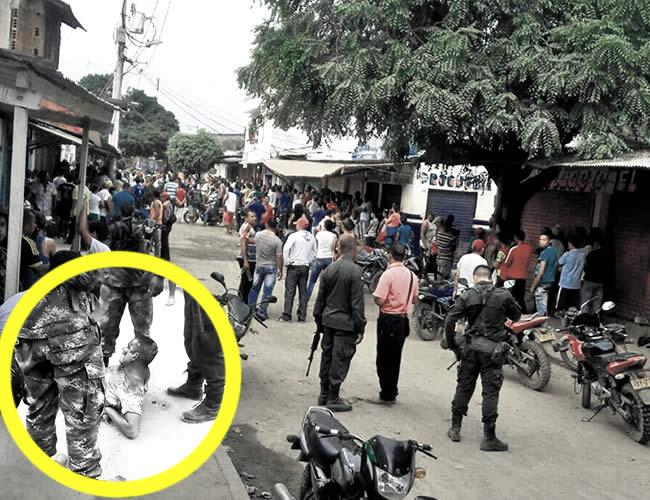 El soldado fue agredido por la comunidad. El municipio de Montecristo fue militarizado. | Foto: Archivo