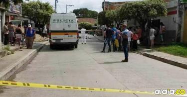 La masacre ocurrió en el barrio Paraguay, donde las víctimas se encontraban sentadas en la terraza de una casa.   Imagen de referencia