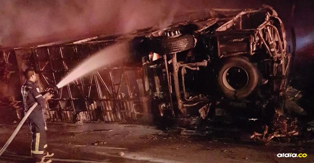 El accidente en la vía Riohacha- Valledupar, dejó 5 muertos y 37 heridos | Al Día
