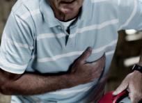 Eluterio cayó sin signos vitales. Según la comunidad, venía agitado y diciendo que lo habían acabado de robar. | AL DÍA