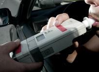 La prueba de alcoholemia no es obligatoria. El conductor puede rehusarse en algunos casos. | Coches.com