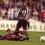 Barcelona descontó luego con Luis Enrique (73´) y Figo (89') pero no le alcanzó. La noche no podía ser de otro sino del 'tino'. | UEFA