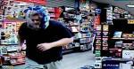 Este curioso momento quedó registrado por la cámaras de seguridad del sitio y publicado en la página de Facebook del Departamento de Policía de St. Marys, de Georgia, Estados Unidos   Captura de video