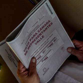 Las Farc ejercieron su derecho al voto después de 50 años en la guerra   AFP