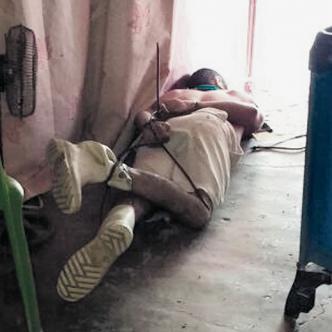 El cuerpo sin vida de Ismael Cabarcas Morales estaba maniatado de pies y manos en la sala de la casa de la finca. | AL DÍA