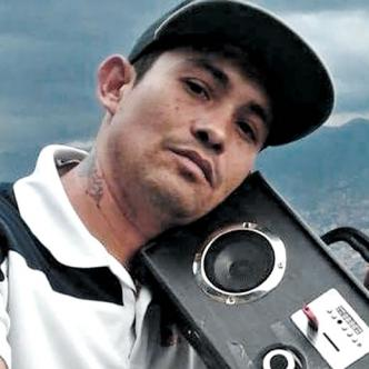 Rubén Arango Pardo se ganaba la vida cantando en buses y busetas. Recientemente había estado en Medellín | Foto: Cortesía