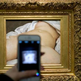 La cuenta de un maestro parisino y amante del arte, de 57 años, fue suspendida hace cinco años sin previo aviso por publicar esta pintura. | Foto: Francois Mori / AP