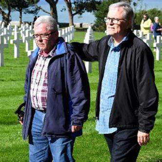 André Gantois, de 72 años, y Allen Henderson de 64.