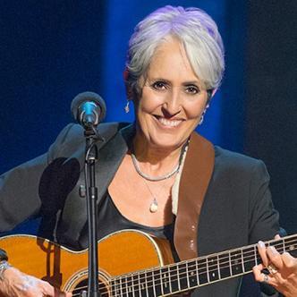 La estadounidense Joan Chandos Báez, tiene 78 años.